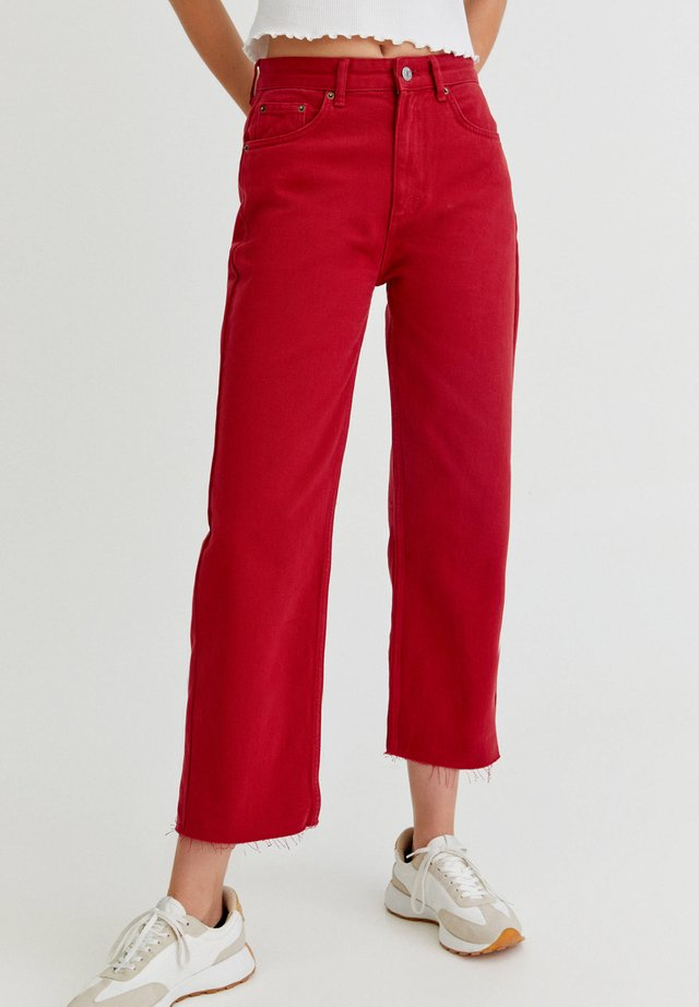 CROPPED - Straight leg jeans - red