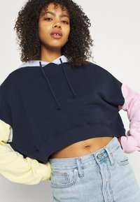 Hollister Co. - COLORBLOCKED CROPPED - Felpa - navy - 3