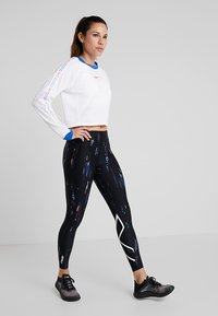 2XU - PRINT MID RISE COMPRESSION - Leggings - black/white - 1