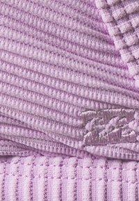 Billabong - TANLINES IVY - Bikini top - lit up lilac - 2