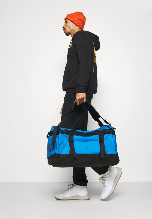 BASE CAMP DUFFEL S UNISEX - Borsa per lo sport - light blue