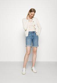 Marks & Spencer London - BOYFRIEND - Denim shorts - light blue denim - 1