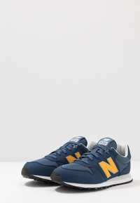New Balance - GM500 - Sneakersy niskie - navy - 2