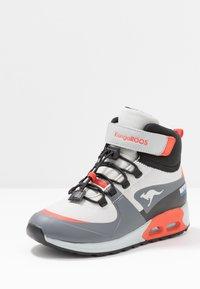 KangaROOS - X HYDRO - Höga sneakers - steel grey/red - 2
