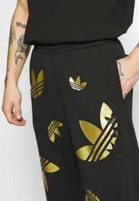 adidas Originals - PANT - Verryttelyhousut - black/plamet - 5