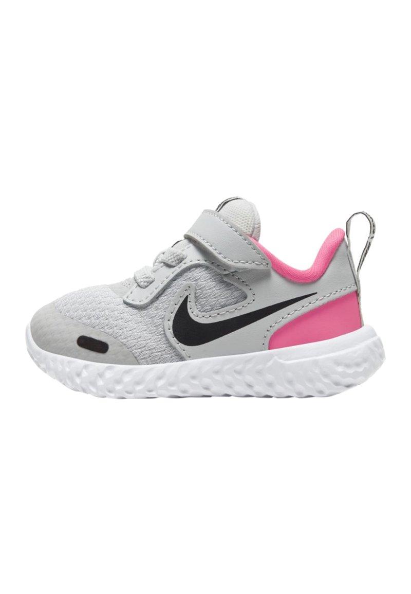 Nike Performance - REVOLUTION 5 UNISEX - Zapatillas de running neutras - photon dust/hyper pink/white/black