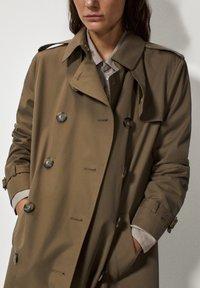 Massimo Dutti - Trenchcoat - khaki - 6