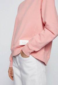 BOSS - ESQUA - Hoodie - pink - 3