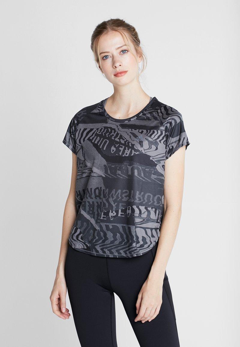 adidas Performance - OWN THE RUN TEE - Sports shirt - grefou/black