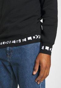Diesel - UMLT-WILLY SWEAT-SHIRT - Sweatshirt - black - 4