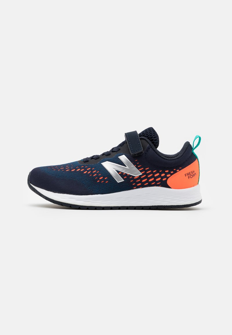 New Balance - YAARIIP3 UNISEX - Obuwie do biegania treningowe - blue