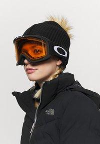 Oakley - FRAME PRO UNISEX - Occhiali da sci - persimmon/dark grey - 0