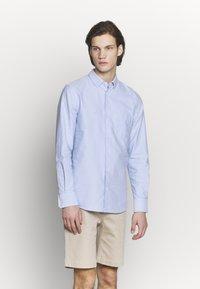 Filippa K - TIM OXFORD - Košile - light blue - 0