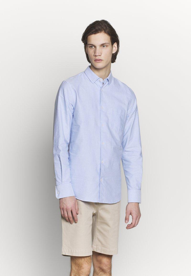 Filippa K - TIM OXFORD - Košile - light blue