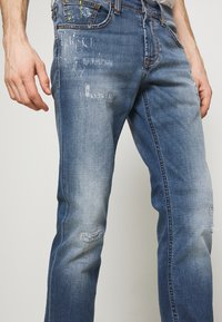 Baldessarini - JOHN - Slim fit jeans - light blue - 3