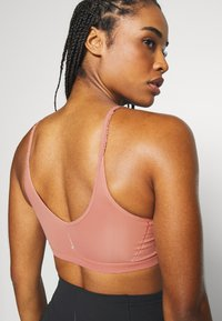 Nike Performance - INDY LUXE YOGA BRA - Sports bra - rust pink/particle beige - 5