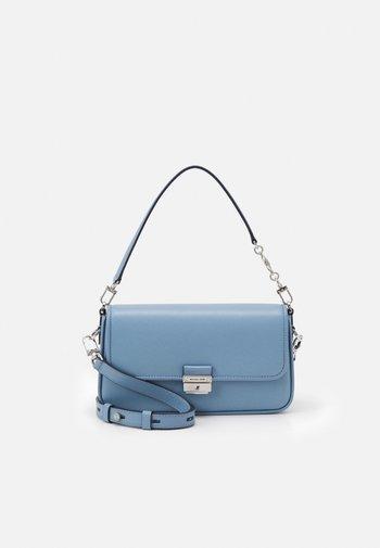 BRADSHAW - Handbag - chambray