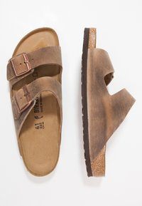 Birkenstock - ARIZONA  NARROW FIT - Mules - tabacco brown - 1