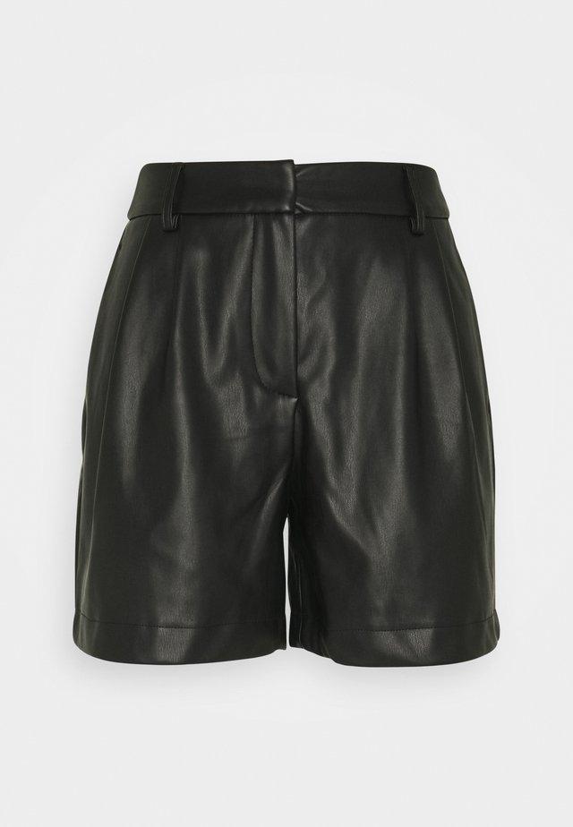 VMSOLAFIE COATED - Shorts - black