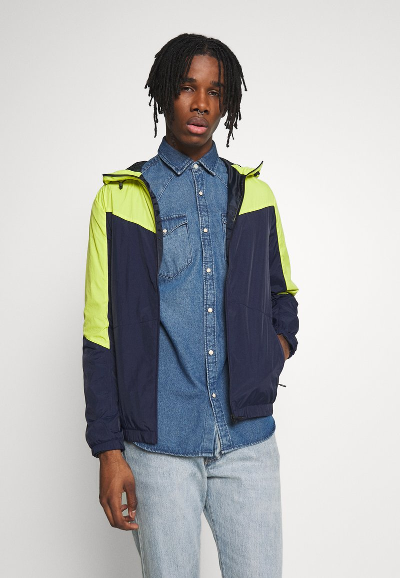 Jack & Jones - JCOSPRING LIGHT JACKET - Summer jacket - sulphur spring/maritime blue