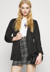 New Look - CHAIN MINI SKIRT - Mini skirt - black - 3
