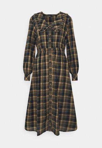 ONLFIONA ABOVE CALF SHIRT DRESS - Shirt dress - chinchilla