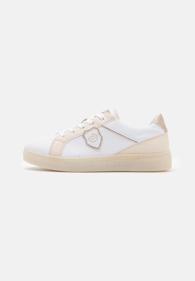 ELEA - Matalavartiset tennarit - white/beige