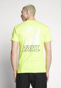 Vans - RETRO SPORT  - T-Shirt print - sulphur spring - 2
