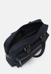 Tommy Hilfiger - ELEVATED COMPUTER BAG - Briefcase - blue - 2