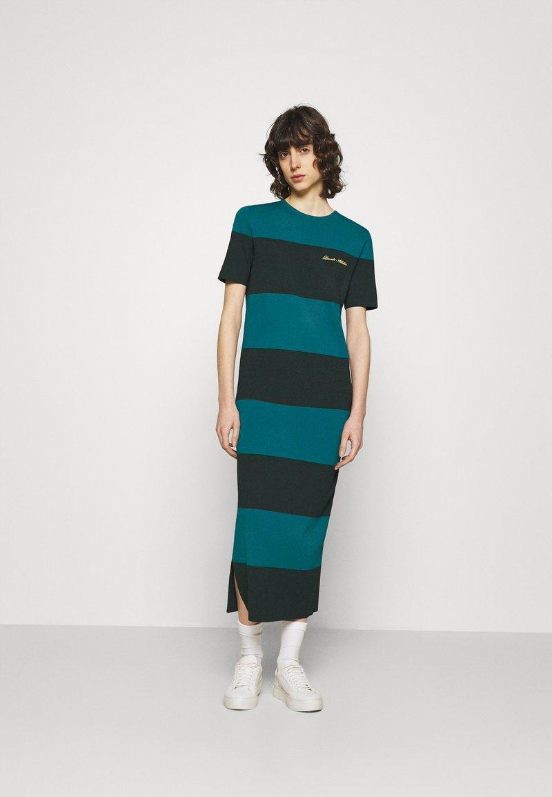 Lacoste LIVE - Jersey dress - plumage/danube