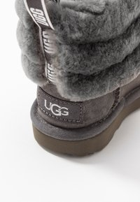 UGG - FLUFF MINI QUILTED - Bottines - charcoal - 2