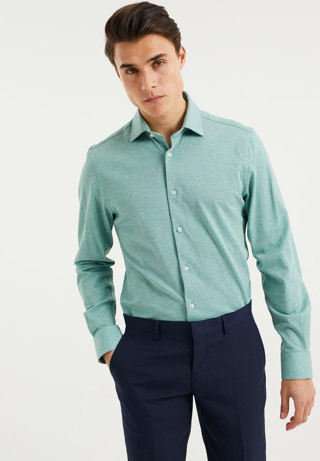SLIM-FIT - Camicia - light green