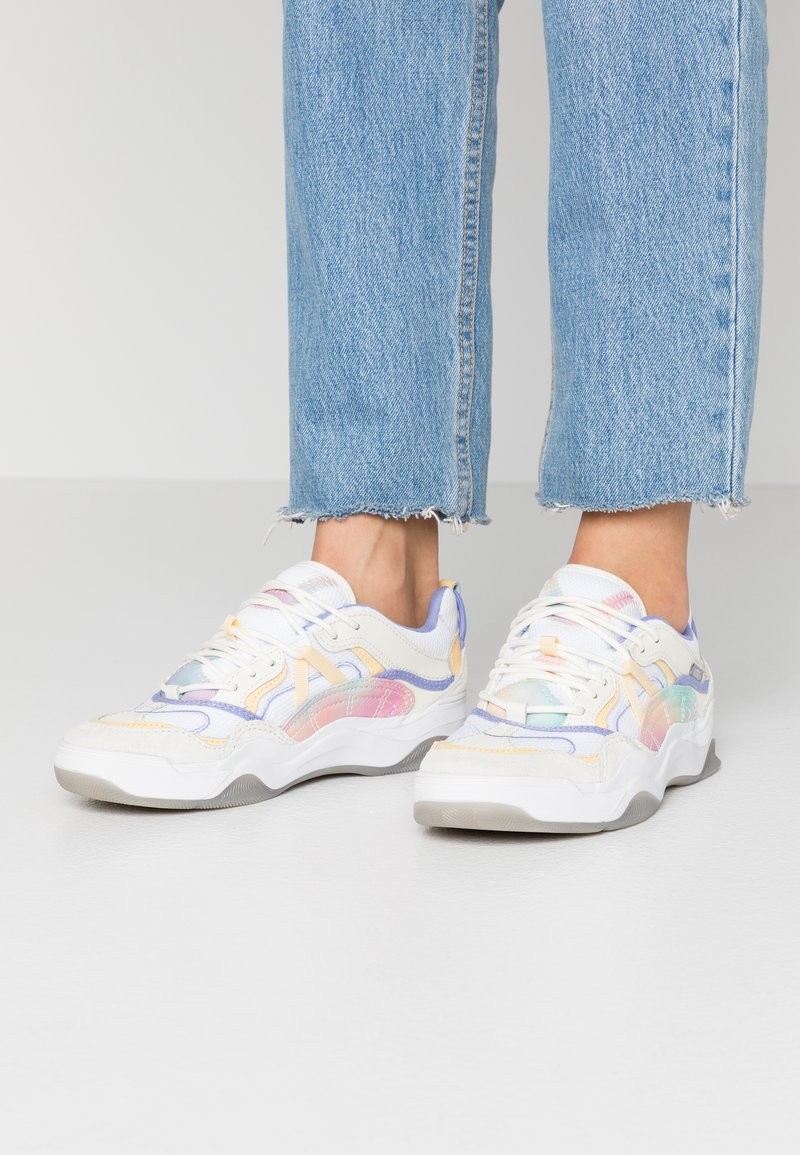 Vans - VARIX - Trainers - multicolor/true white