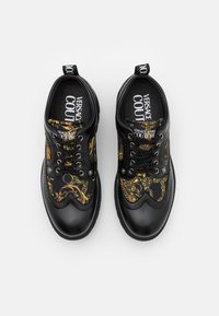 Versace Jeans Couture - SYRIUS - Lace-ups - nero/oro - 3