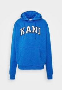 Karl Kani - SERIF HOODIE UNISEX - Hoodie - blue - 3