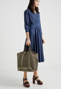 Vanessa Bruno - CABAS GRAND - Tote bag - kaki - 1