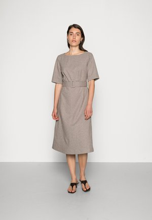DRESSES WOVEN - Denní šaty - caramel