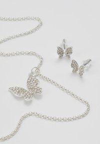 SNÖ of Sweden - BELIZE BUTTERFLY PENDANT SET - Korvakorut - silver-coloured/clear - 5