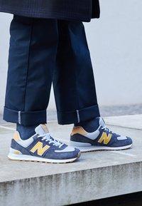 New Balance - 574 UNISEX - Zapatillas - grey - 5