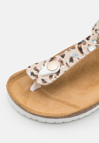 Friboo - T-bar sandals - taupe - 5