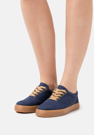 VENDETTA - Sneakersy niskie - navy