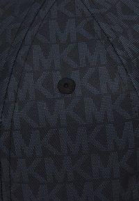 Michael Kors - SIG SPORT HAT UNISEX - Cap - black - 3
