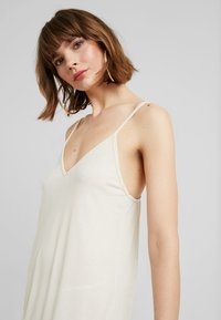 Nly by Nelly - IN YOUR DREAMS DRESS - Jerseyjurk - turtledove - 3
