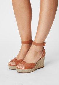 Pepe Jeans - MAIDA PEACH - Platform sandals - spice - 0