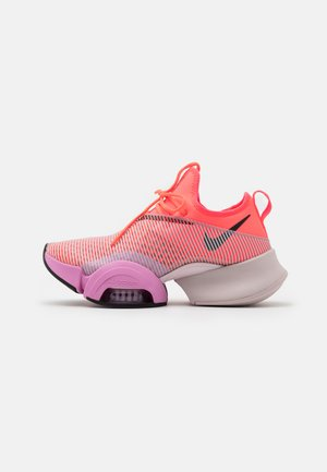 AIR ZOOM SUPERREP - Sports shoes - flash crimson/black/beyond pink
