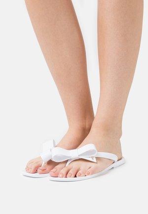 BEJOUW - Sandály s odděleným palcem - white