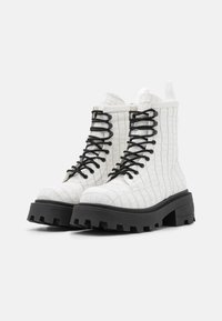 Topshop - BAE SQUARE TOE LACE UP - Lace-up ankle boots - white - 2
