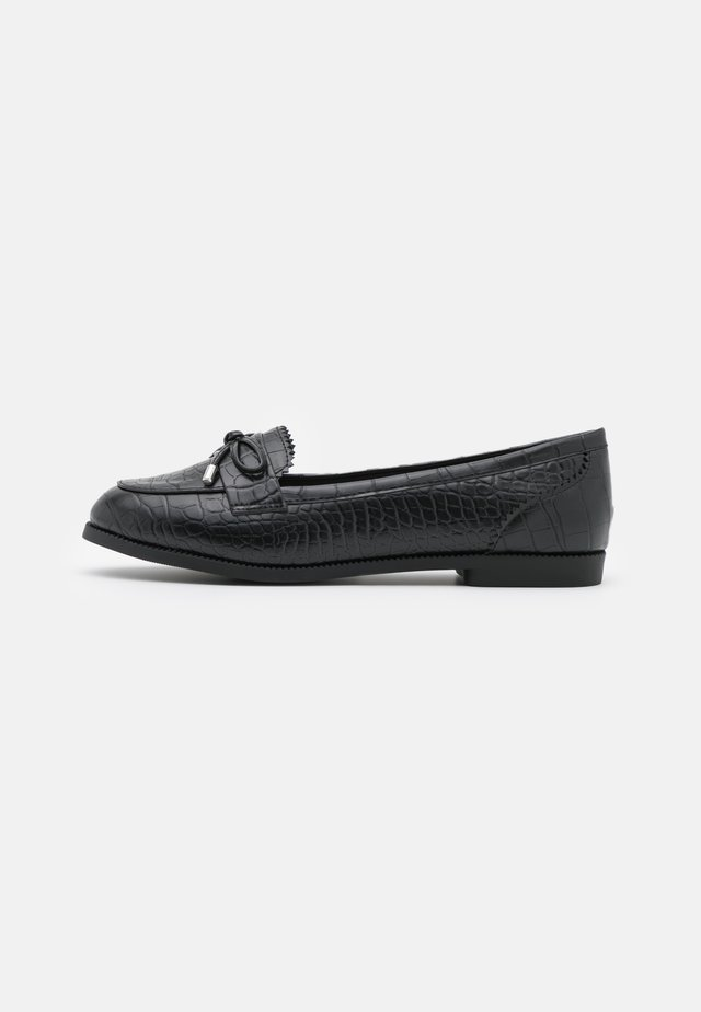 WIDE FIT JOEY CROC BOW LOAFER - Slip-ons - black