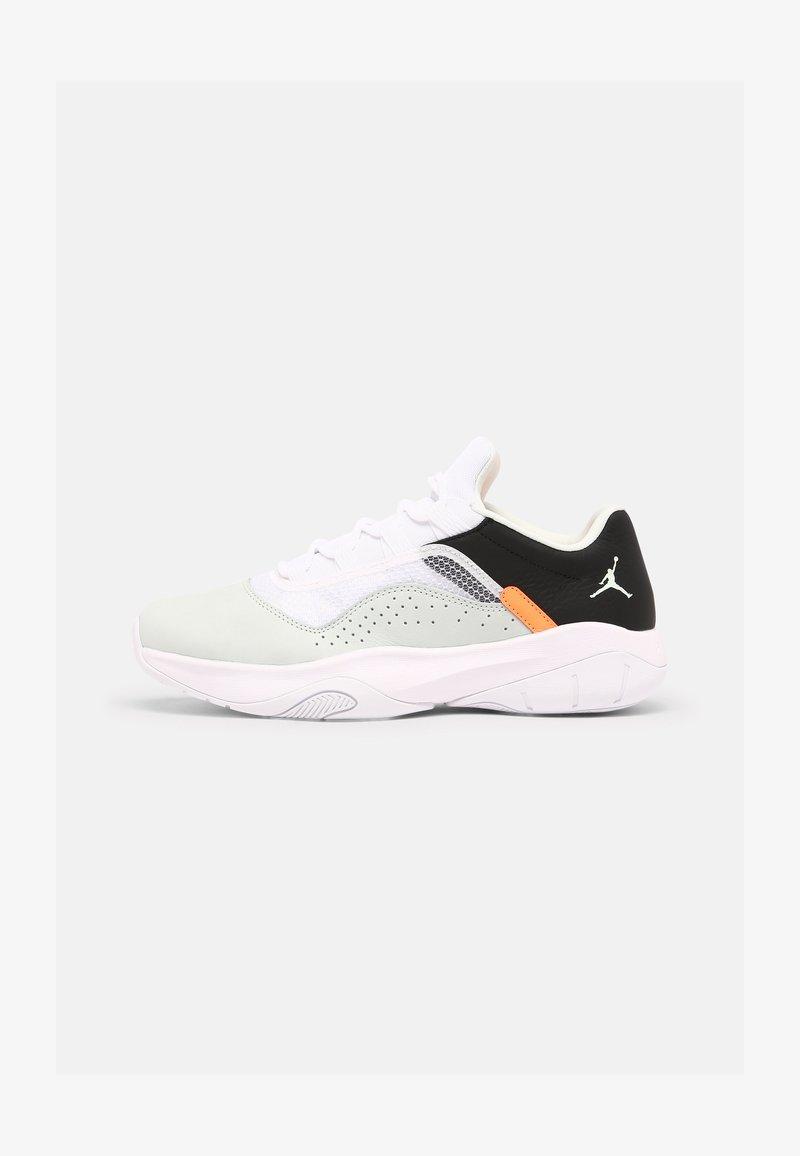 Jordan - AIR JORDAN 11 CMFT - Sneakers basse - barely green/white/black/atomic orange