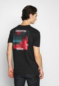 Quiksilver - SOUND WAVES - Print T-shirt - black - 2